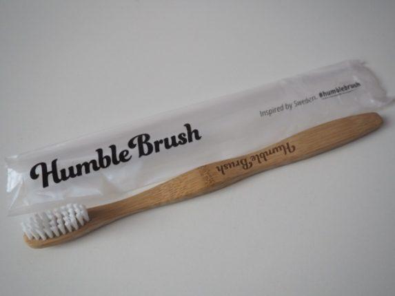plně recyklovatelný kartáček z bambusu a nylonu